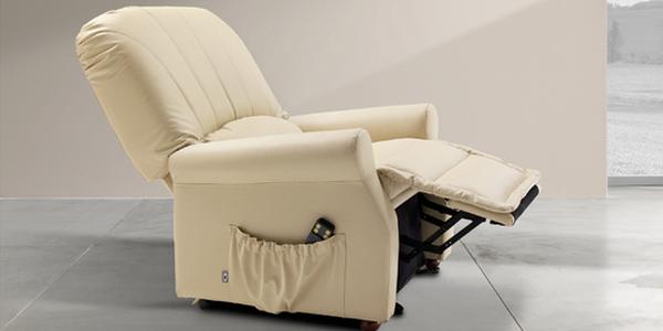 Poltrone relax con alzapersona per persone anziane e disabili