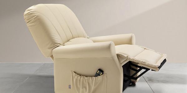 Poltrone reclinabili con alzapiedi e sistema massaggiante