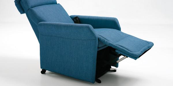 Poltrona moderna per ambienti dal design contemporaneo