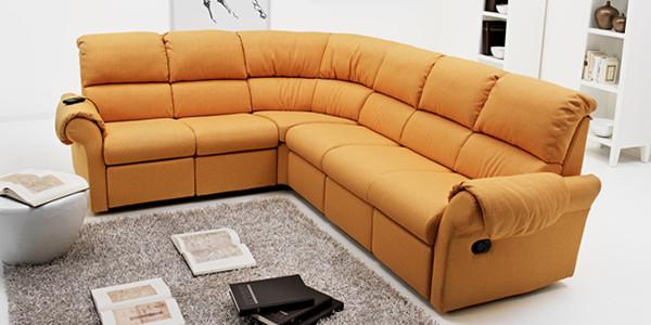 Divani moderni e funzionali adatti al tuo soggiorno