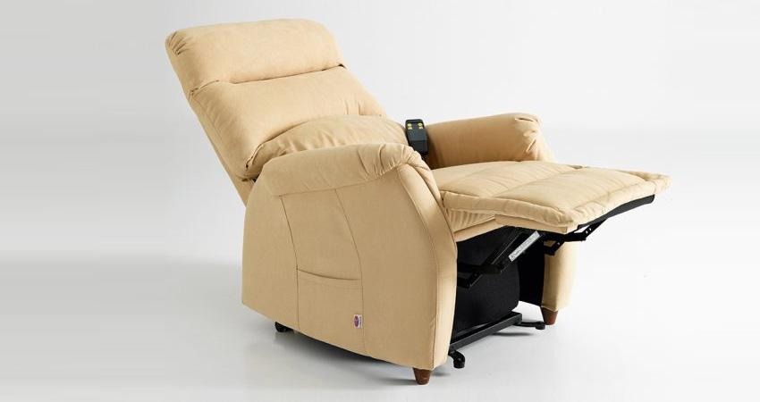 Le caratteristiche di una perfetta poltrona relax per anziani